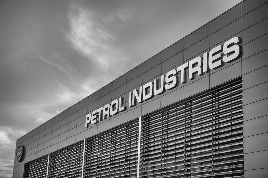 Petrol gebouw